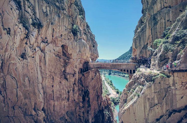 Antiguo puente acueducto del Caminito del Rey