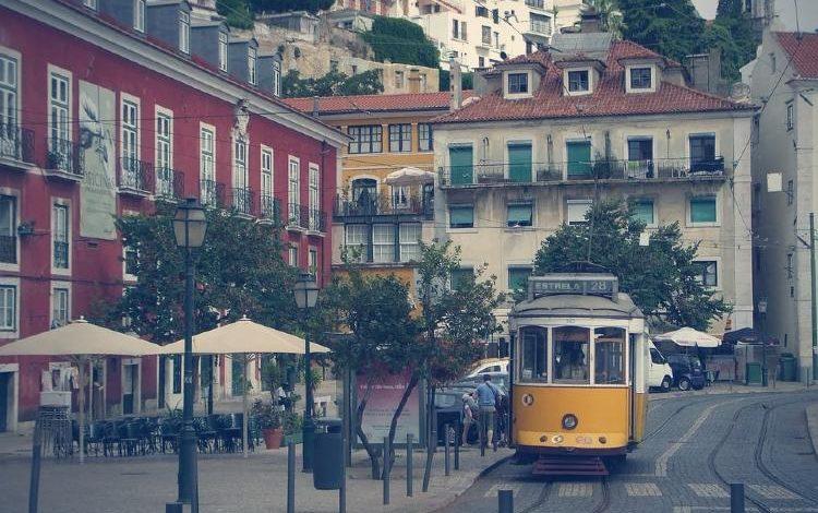 Tour por el barrio de Alfama Lisboa Portugal