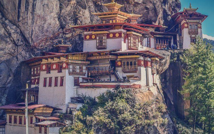Monasterio de Taktshang o Nido del Tigre