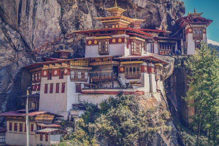 Los mejores destinos para viajar en 2020. Monasterio de Taktshang o Nido del Tigre