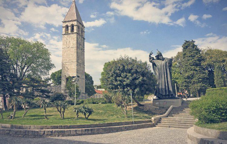 Monumento Obispo Gregorio Nin Split Croacia