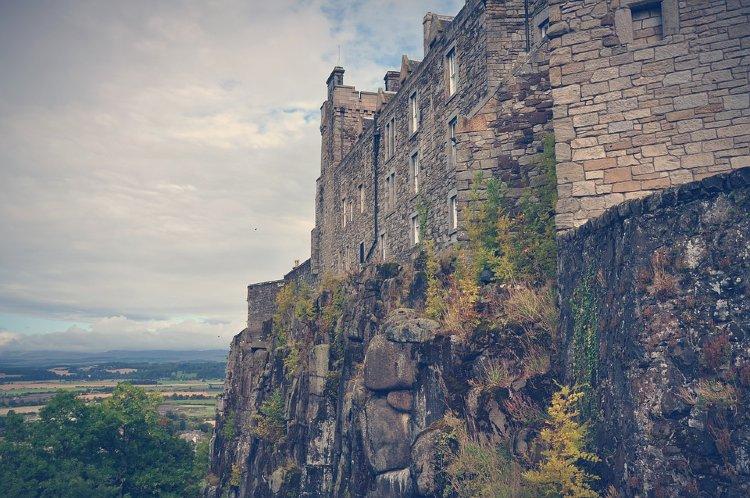 Lago Ness desde Edimburgo. Perfil del Castillo de Stirling en Edumburgo