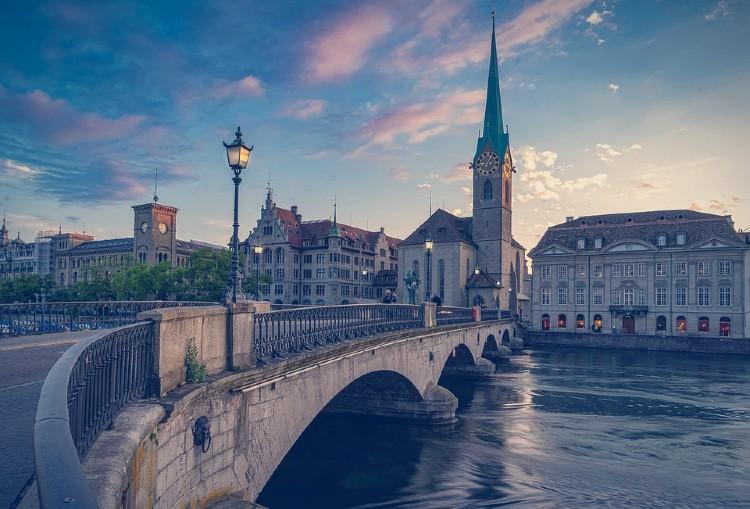 Los países más felices del mundo. Zurich, Suiza