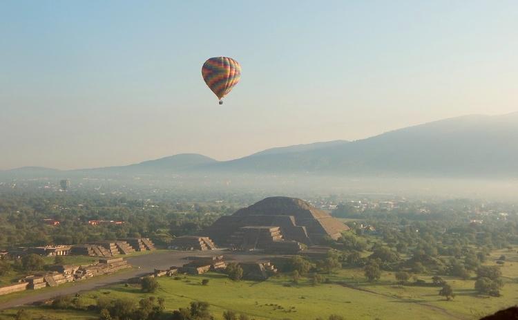 Visitar México. Teotihuacan en globo
